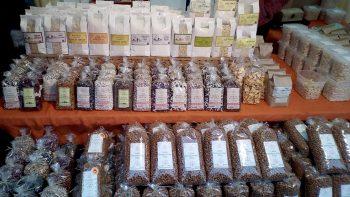 Ikšķiles Daugavas prospekta Ziemassvētku dāvanu tirgus